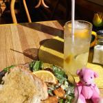 Yellow Cello Cafe Foto
