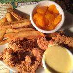 Bugaboo kids chicken tender meal