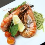 Linguini, Prawns, Ruccola Pesto