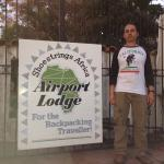 Shoestrings Airport Lodge Foto