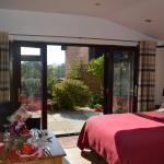 GARDEN ROOM private patio/breakfast served to your room for you to have a relaxed start to the