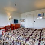Guestoom- King bed