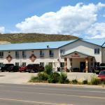 Econolodge Hotel Front View