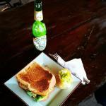 Foto de Paradise Found Bar & Grill