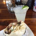 Foto de BJ's  Burgers and Tacos