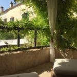 Vores lille terrasse foran vores værelse