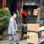 монах из храма