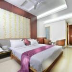 OYO 12809 Hotel Grand Gunas