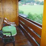 Der Balkon mit Sitzmöglichkeiten