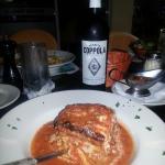 lasagnas acompañadas de un buen vino