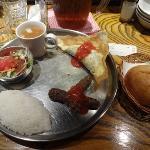 チュニジアのギョウザとシシカバブ(ランチ)
