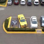 Regulen los autos de sus huéspedes!! hay que ser una empresa responsable!