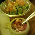 Ensalada y salsa criolla