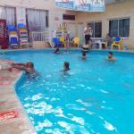 После моря можно и в бассейн