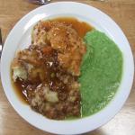 Shepherd's pie & musky peas