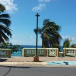 View of street across from hotel.. Beach access. Non swimming beach.