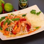 Rotes Thai-Curry mit angebratenen Garnelen, frischem Wok-Gemüse und Duft-Reis [#G.3]