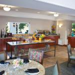 Breakfast Lobby