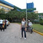 Vista de la entrada del Hotel Pasacaballos en Cienfuegos