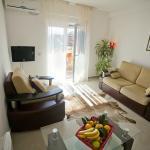 app 6 living room
