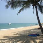наш пляж, вид из ресторана отеля