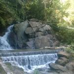 один из нижних порогов водопада