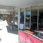 Foto de James' Takeaway Cafe