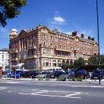 퀸즈 호텔