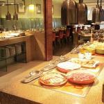 大倉久和飯店歐風館自助餐照片