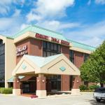 Photo de Drury Inn & Suites Greensboro