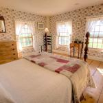 Original Room, Romance