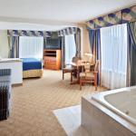 Tacoma Hotel Jacuzzi Suite