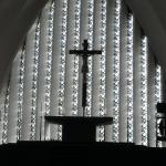 Innenansicht Fensterbereich hinter dem Altar