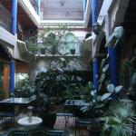 内装と中庭