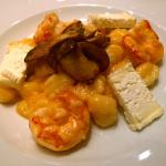 Gnocchi di patate di Martinengo con gamberi, robiola delle Langhe e porcini