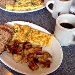 Due piatti del giorno e due caffè, totale $28 tutto ottimo e prezzo onesto:)