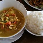 Kang ka-ree w/chicken and rice