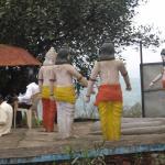 Statues at Nilkantheshwar