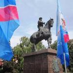 Памятник в день города 2015