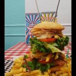 Empire State 4 pisos de la mejor hamburguesa para tu deleite!