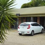 Room exterior - motel front