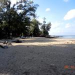 Пляж напротив Gooddays Lanta Beach Resort