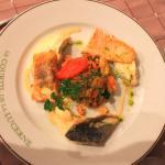 Trilogie de poissons,crumble courgettes,crémeux de coquillages.