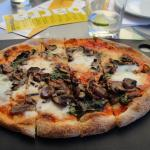Pizza Margherita with Mushrooms