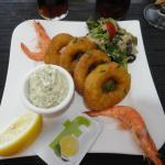 Entrée avec calamars et crevettes