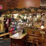 Pine Peaks Restaurant & Gifts resmi