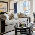 Premier Junior Suite - Parlor & Seating Area
