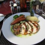 Delicious grilled chicken with vegetables
