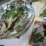 鯛の宝楽焼きとお刺身。