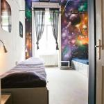 Space room - 4 bed dormitory with private shower